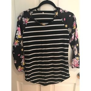 NEW. floral top!